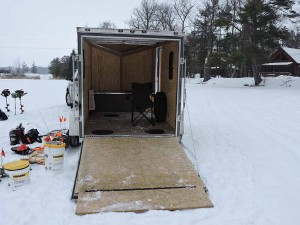 mike-nest-guiding-icefishing-6