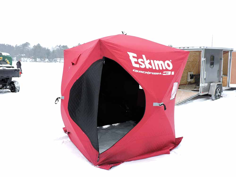 Hayward wi cabin rentals hayward vacation rental vrbo for Wisconsin ice fishing resorts