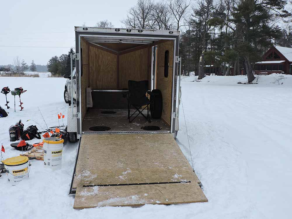 Hayward Wisconsin Ice Fishing Guide Service | Northern WI